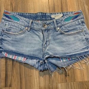 &shorts H&M embroidered size 4